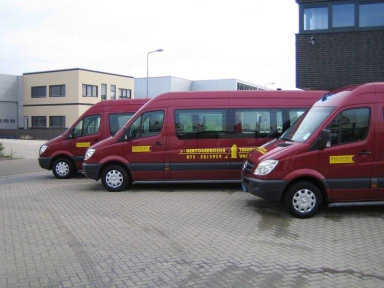 Drie taxibussen Regiotaxi 's-Hertogenbosch