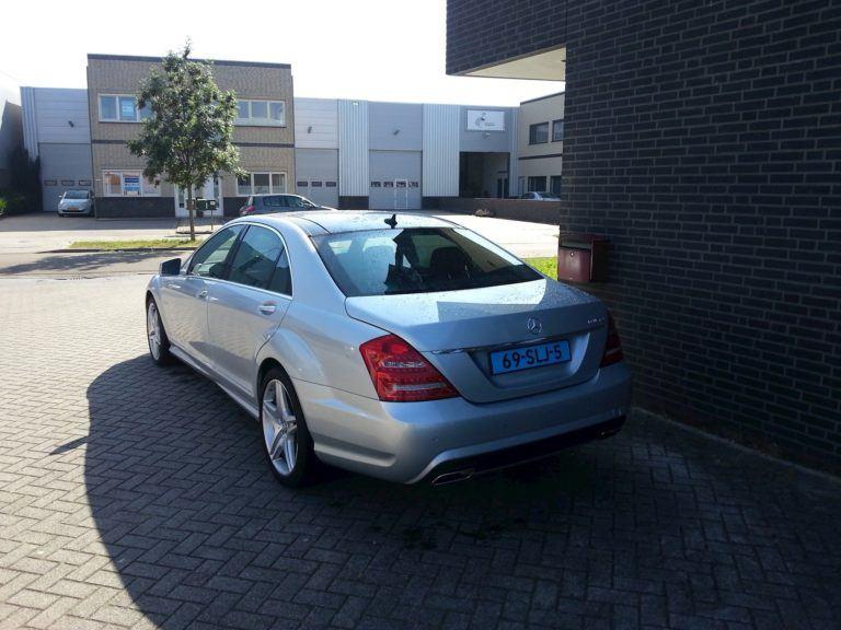 Mercedes Benz S Klasse taxi achterkant