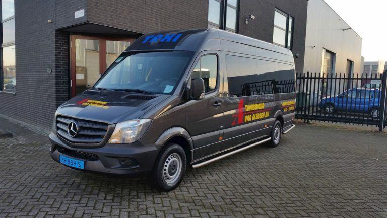 Taxibus van Taxibedrijf Van Alebeek B.V.